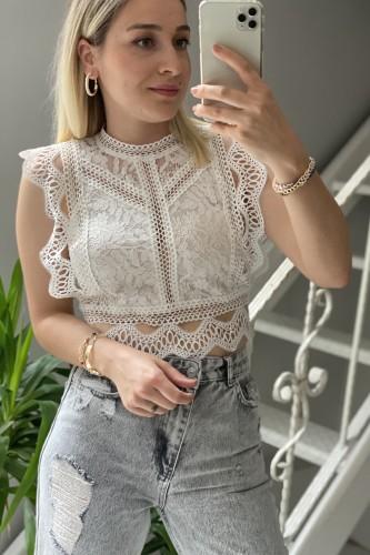 Beyaz Dantel Detay Bluz